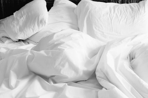 How To Pick The Perfect Pillow For A Sound Sleep?